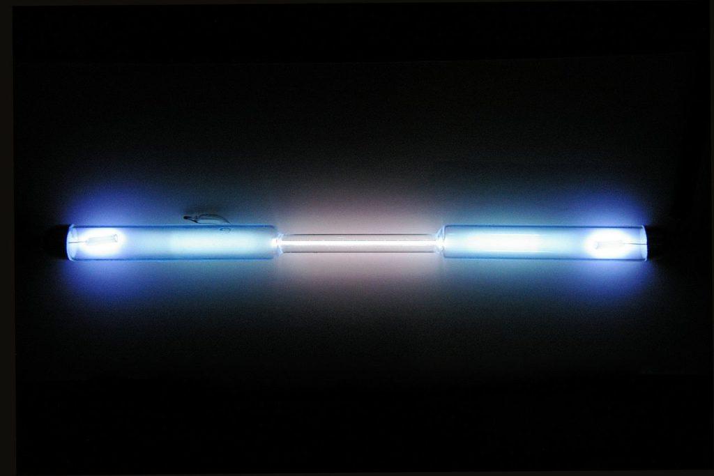 Газоразрядная лампа с криптоном